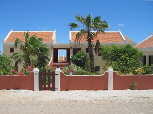 Bonaire Bed and Breakfast Hotel